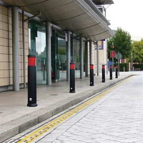 SENTINEL BOLLARD RED REFLECTIVE BAND - ANTI RAM FIX AS PRODUCT 1 BUT WITH ANTI RAM PROTECTION