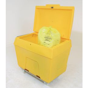 Lockable clinical waste trucks
