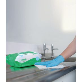 Clinell antimicrobial hand wipes