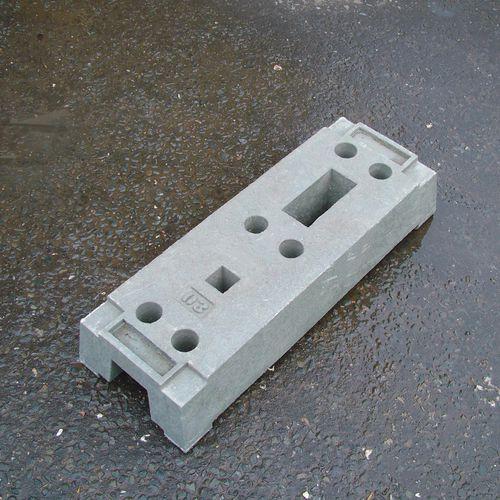 Panel fencing - Concrete foot