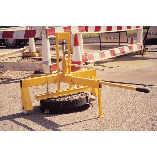 Hydraulic manhole cover lifter - single hydraulic lift