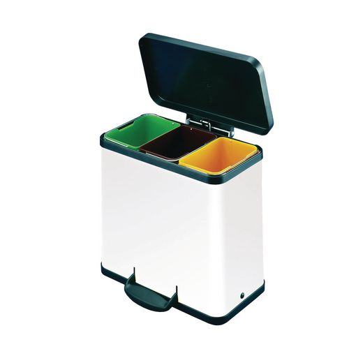 Pedal waste recycling bins trio