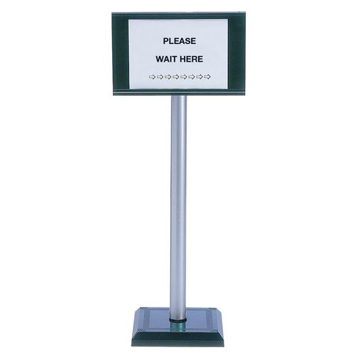 Economy rope barrier - post with signholder