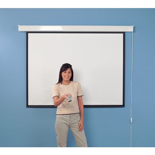 Budget wall projector screens with border
