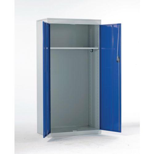Large volume wardrobe cupboard