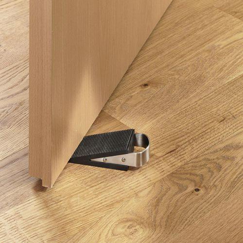 Rubber door stop with handle