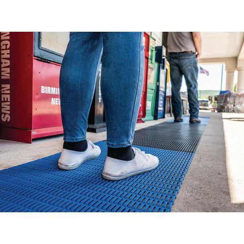 Walkway safety zone PVC matting, 24m length