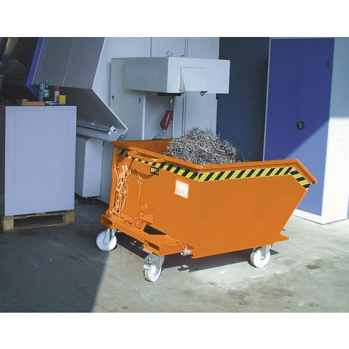 Automatic swarf tipping skips