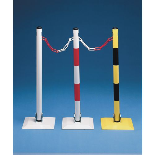 Collapsible steel post for plastic chain