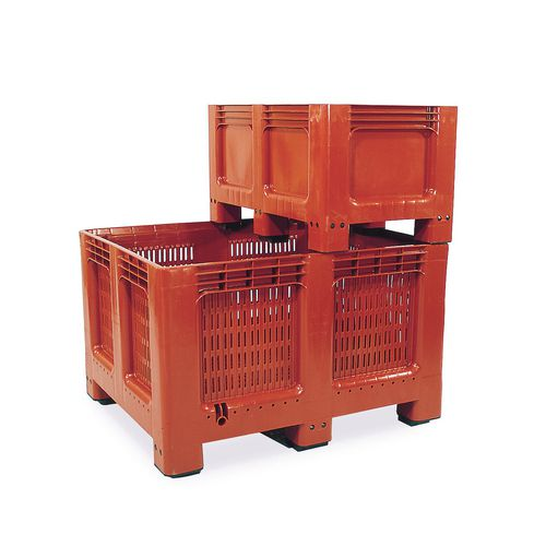 Plastic pallet boxes - Ventilated and solid side.