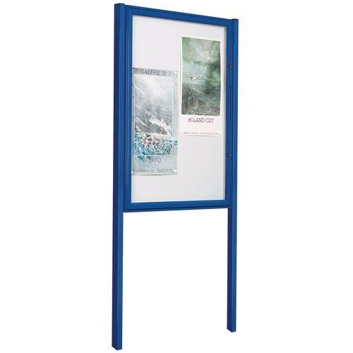Freestanding outdoor noticeboards