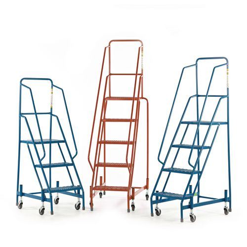 Warehouse steps with spring loaded castors