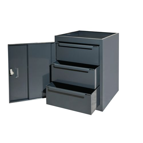 Drawers and cupboard