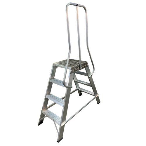 EN131 Professional machine steps