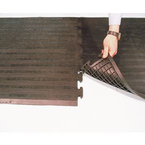 Grid backed rubber safety matting - Interlocking end and middle sections