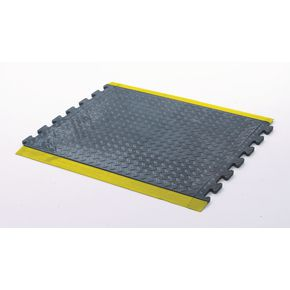 Anti-fatigue rubber chequer plate matting - centre section, yellow edged