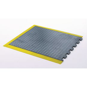 Anti-fatigue rubber chequer plate matting - end section, yellow edged