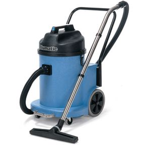 Large wheel wet & dry vacuum cleaner