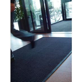 Heavy duty waffle pattern entrance matting