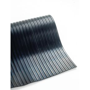 Broad ribbed rubber mat - 1m cut length, 5mm thick x 900mm width