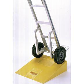 Lightweight kerb ramp