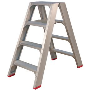 Heavy duty aluminium step stool