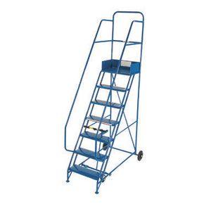 Industrial warehouse mobile stepsPunched metal tread - Platform height 3000mm