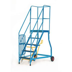 Heavy duty warehouse steps - Rubber treads