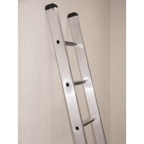 BS2037 Heavy duty aluminium industrial ladders - single section