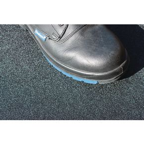 Grit surface walkway matting