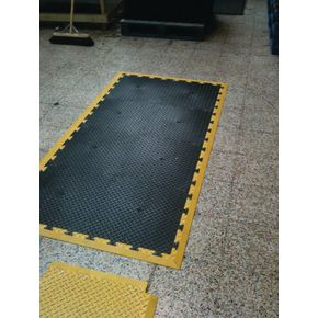 Chequer plate interlocking floor tile edging strip - male black