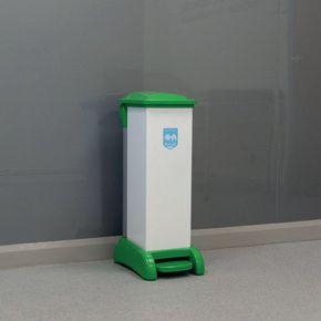 All plastic removable body sackholder
