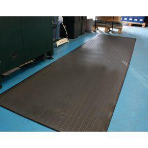 Ribbed anti-fatigue foam matting, 60cm x 1m cut length