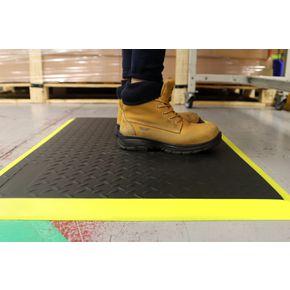 Extra-thick anti-fatigue diamond pattern safety matting