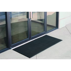 Rubber stud outdoor entrance matting