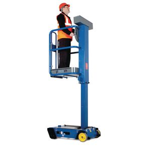 Manually powered personnel lifts