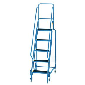 Retractable wheel mobile steps, with slip resistant treads