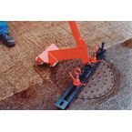 Manual manhole cover lifter, lightweight