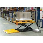 Low profile static lift table with ramp, capacity 1000 kg