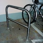 Cycle stand with central steel bar - Stainless Steel - Sunken