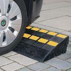 Heavy duty rubber kerb ramp